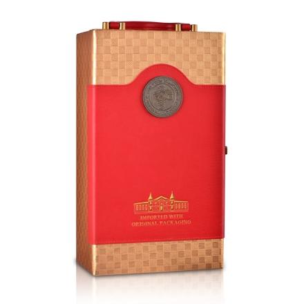 中国红双支皮盒(含四件酒具)